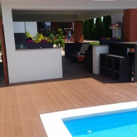 Drevoplastový obklad k bazénu (1)